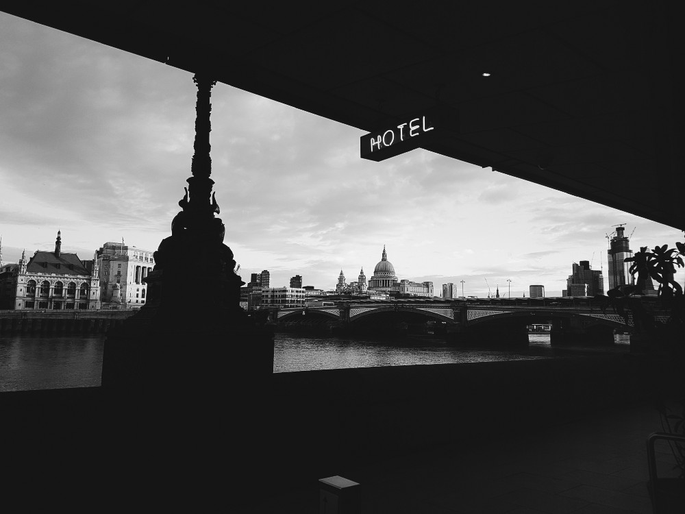 A photograph of the Blackfriars Bridge from the hotel restaurant.